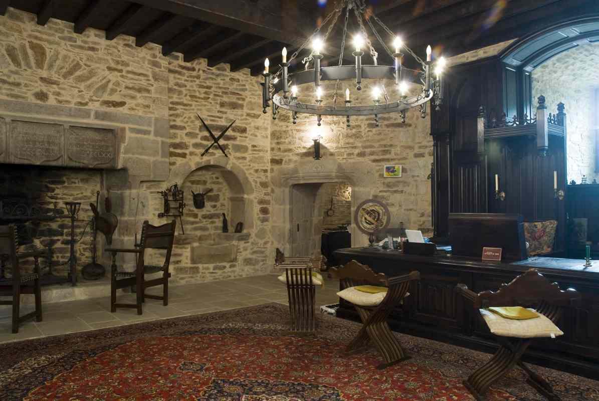 montbrun castle Ground floor pictures